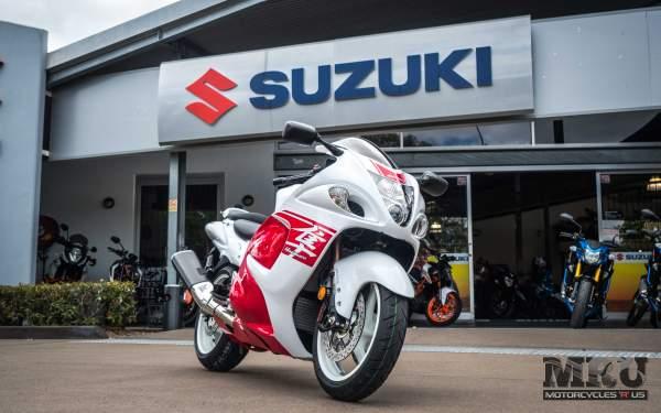 Suzuki Hayabusa motorcycle front view