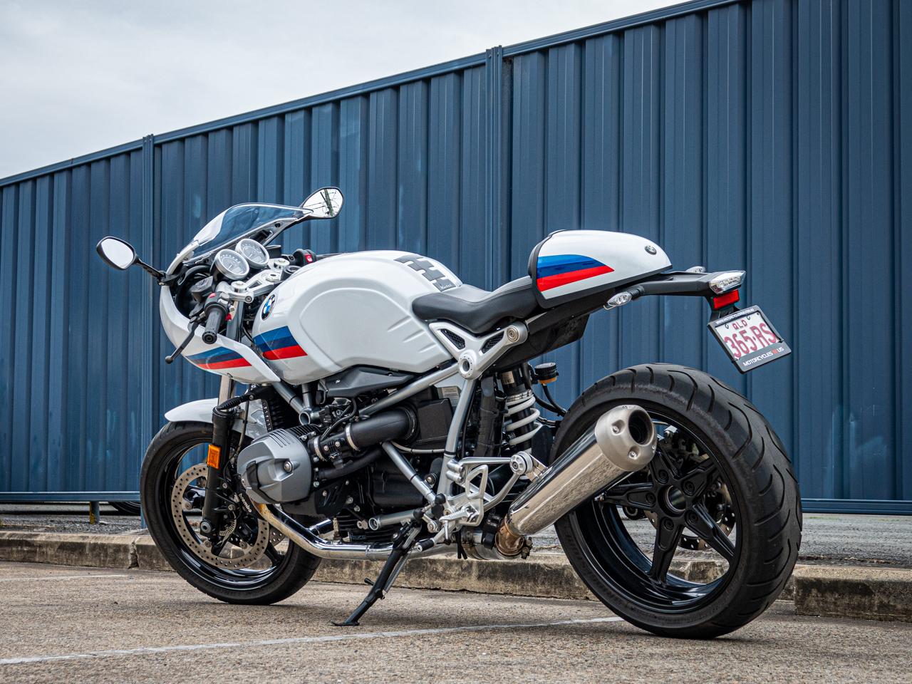 BMW R nine T Racer 2017 - Light White ⋆ Motorcycles R Us