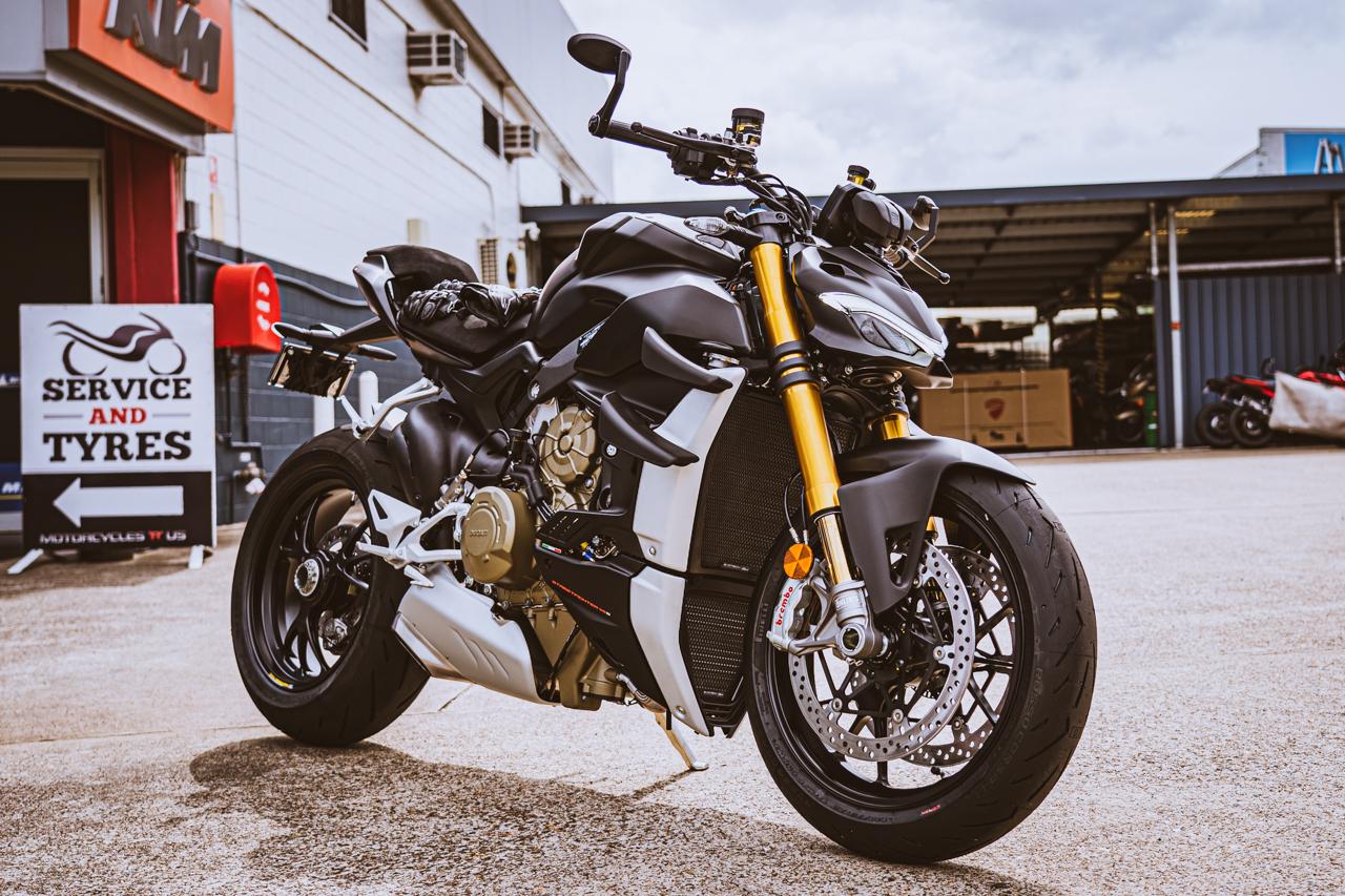 Ducati Streetfighter 2021 : Euro 5 et coloris Dark Stealth