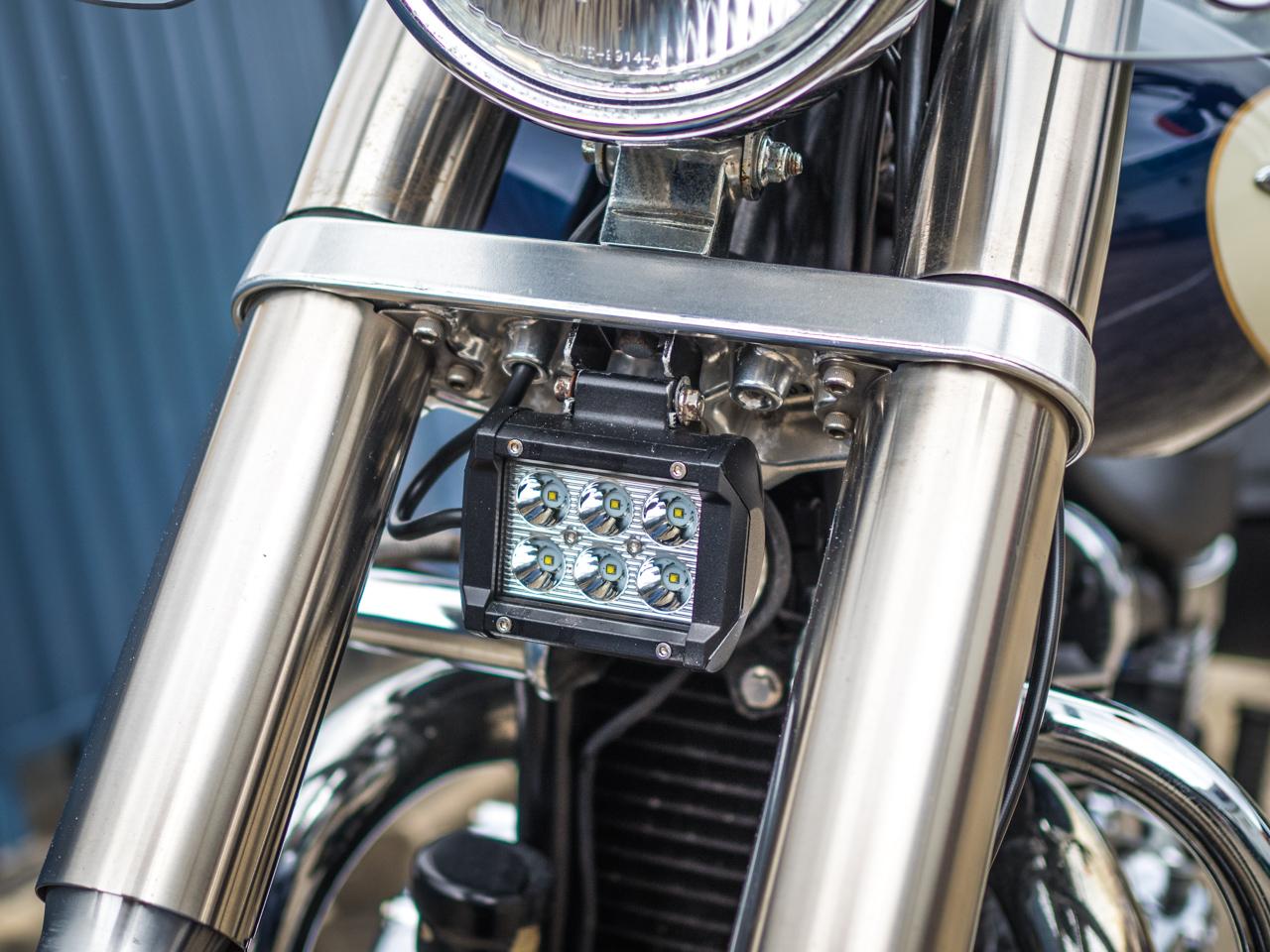 Thunderbird America Dome//Silver Handlebar Grips Triump-h Street Triple