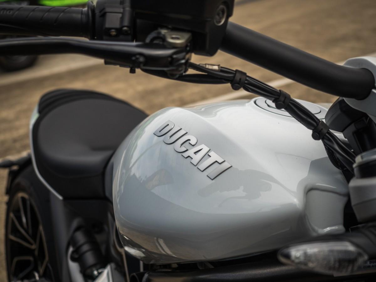 Ducati XDiavel S 2018 - Iceberg White Silk ⋆ Motorcycles R Us