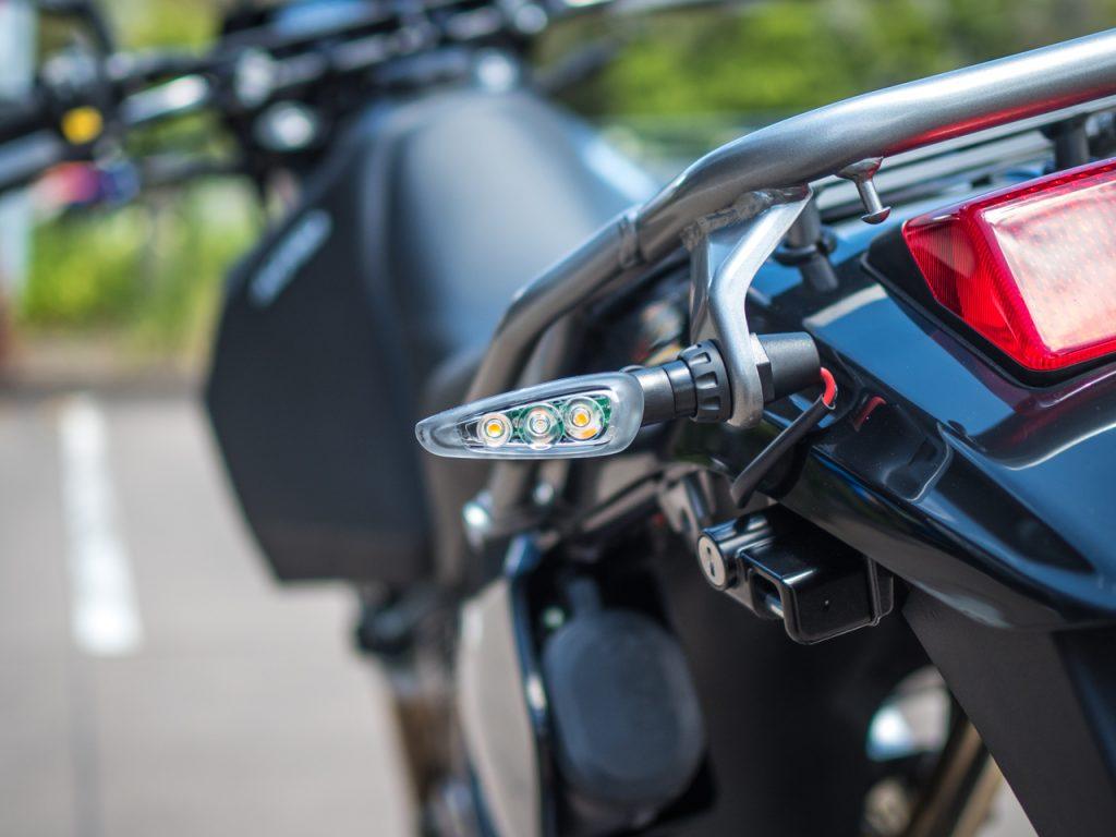 Suzuki DR650SE Click N Ride Blinkers